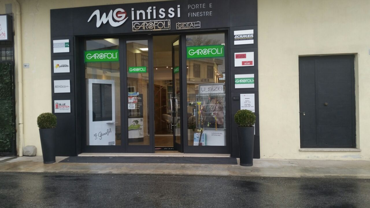 Gallery mg infissi porte finestre infissi roma for Infissi finestre
